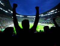 Burgemeesters krijgen meer zeggenschap over de aanpak van voetbalvandalen.