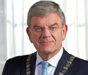 Burgemeester Jan van Zanen (Utrecht) opent Vakbeurs Facilitair & Gebouwbeheer