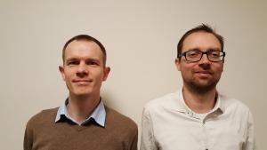 Henri Bouma (links) en Maarten Kruithof doen bij TNO onderzoek naar deep learning.