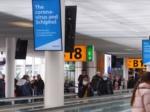 coronacrisis, New York, Reiziger Schiphol op afspraak door beveiliging