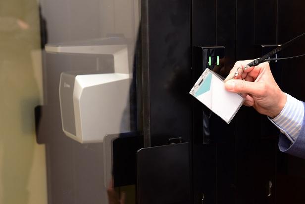 toegangscontrole, Idema, vingerafdrukscan, toegangssluis